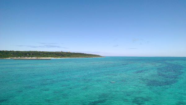 宮古島 エメラルドブルーの海